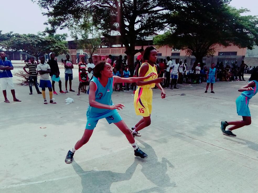 Masina1 Basket Fille